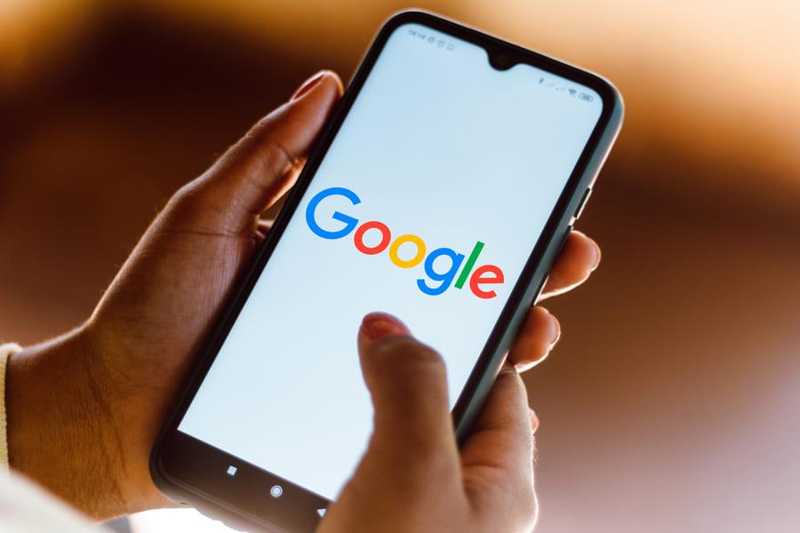 Logo Google sur un smartphone